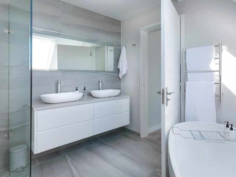 flooring installation and bathroom renovations in winnipeg